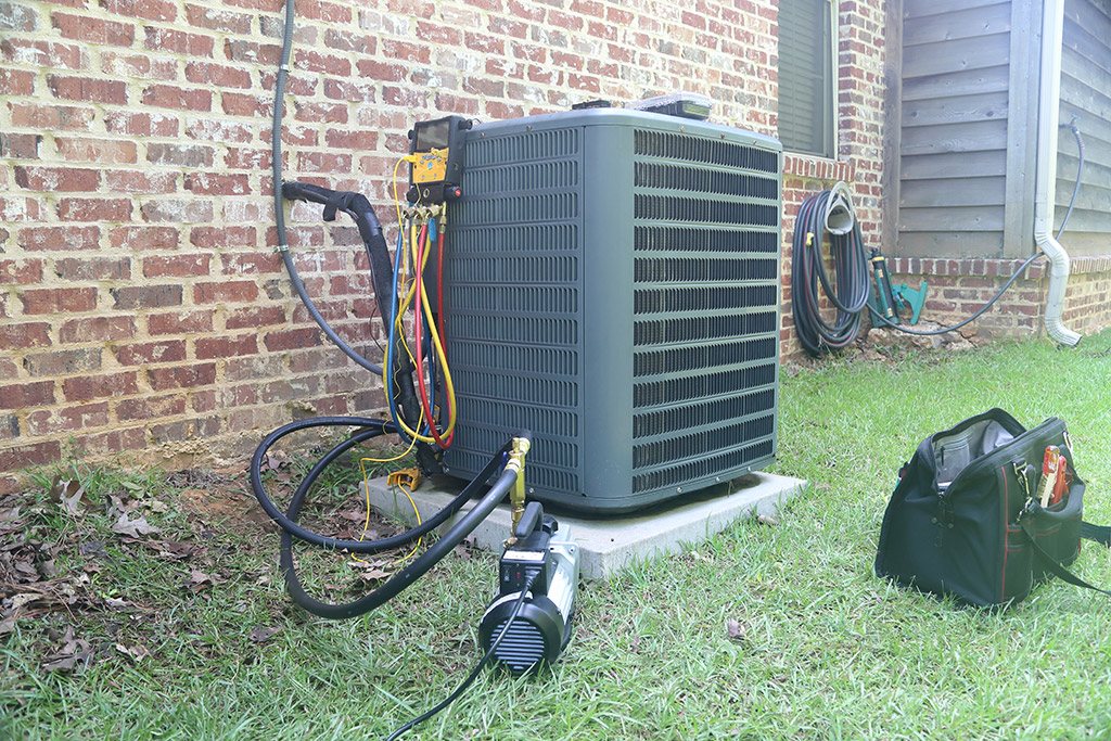 HVAC-Condenser-Unit-Issues-Homeowners-Should-Know-About-_-Heating-and-Air-Conditioning-Repair-in-Mansfield-TX
